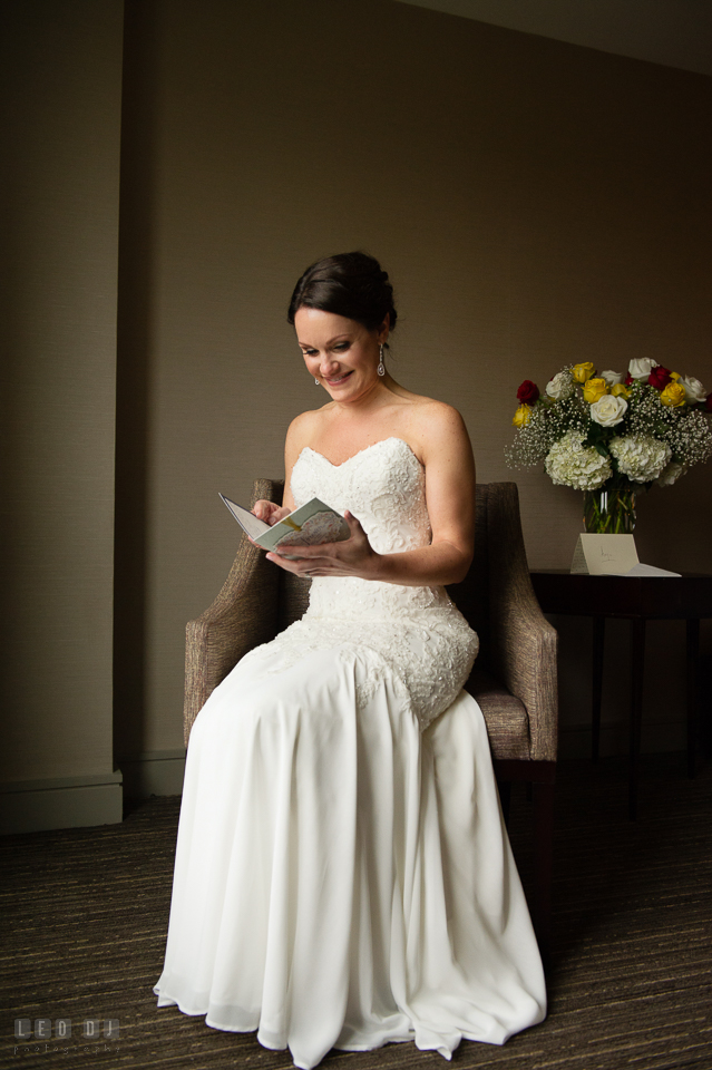 Westin Annapolis Hotel Bride Reading Card From Groom Photo By Leo Dj Photography