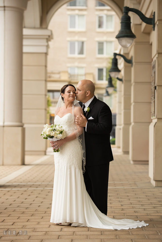 Westin Annapolis Hotel groom hold and kissed bride photo by Leo Dj Photography