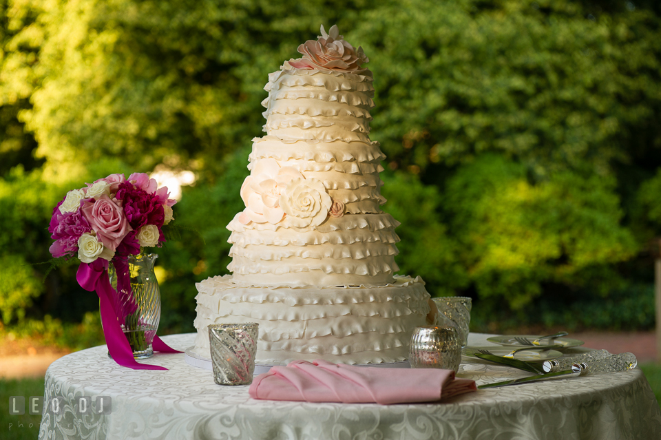 Lovely 4-tier wedding cake by Bay Country Bakery. Aspen Wye River Conference Centers wedding at Queenstown Maryland, by wedding photographers of Leo Dj Photography. http://leodjphoto.com