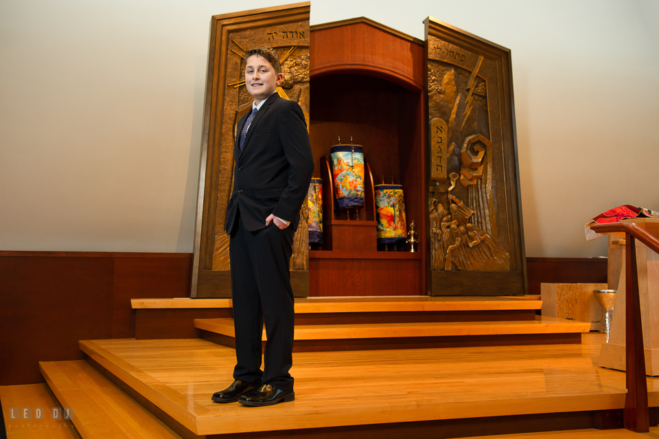 Temple Beth Shalom Annpolis Maryland bar mitzvah boy standing by altar photo by Leo Dj Photography.