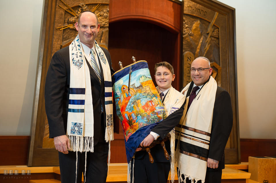 Temple Beth Shalom Annpolis Maryland bar mitzvah boy posing with rabbi and cantor photo by Leo Dj Photography.