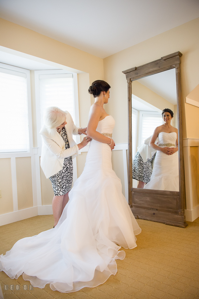 Eastern Shore Maryland Mother of Bride button up wedding gown photo by Leo Dj Photography
