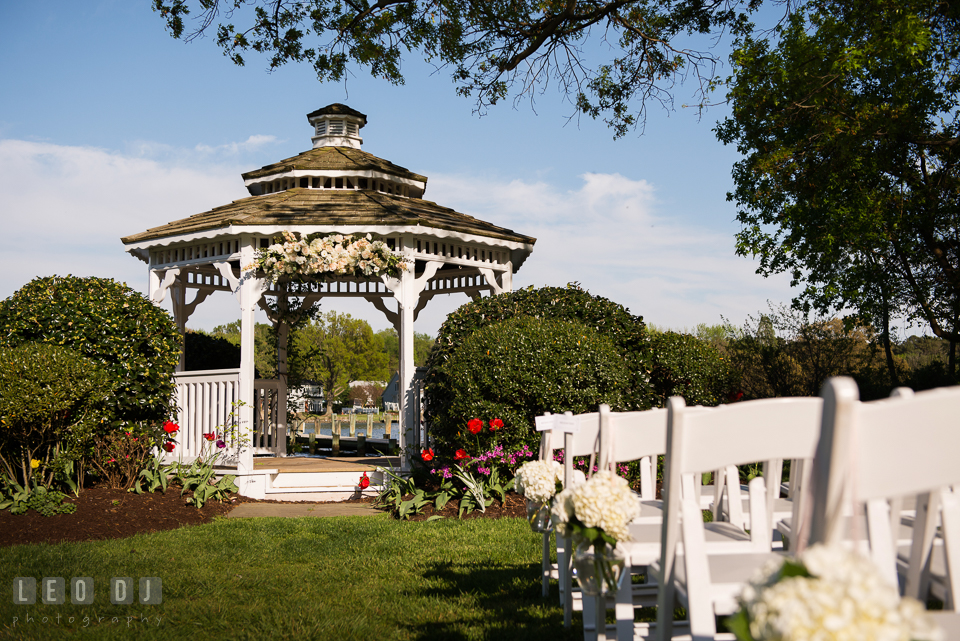 Kent Manor Inn gazebo and chairs decorated with flowers by Cache Fleur photo by Leo Dj Photography