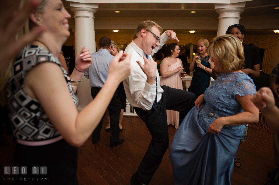 Kent Island Maryland Mother of Bride and guests dancing with music from Crow Entertainment DJ photo by Leo Dj Photography