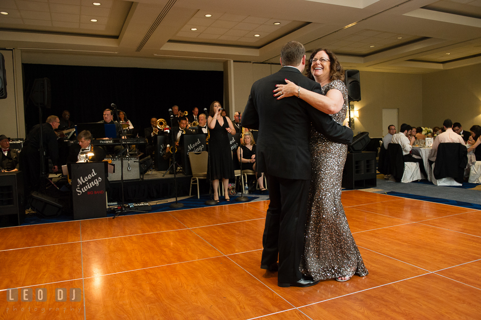Mother and son dance accompanied by Mood Swings Band. Loews Annapolis Hotel Maryland wedding, by wedding photographers of Leo Dj Photography. http://leodjphoto.com