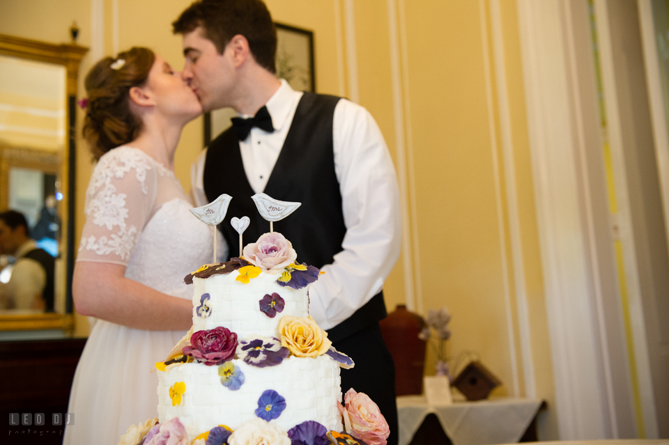 Kent Manor Inn bride groom after wedding cake cutting from Fiona's Cake photo by Leo Dj Photography
