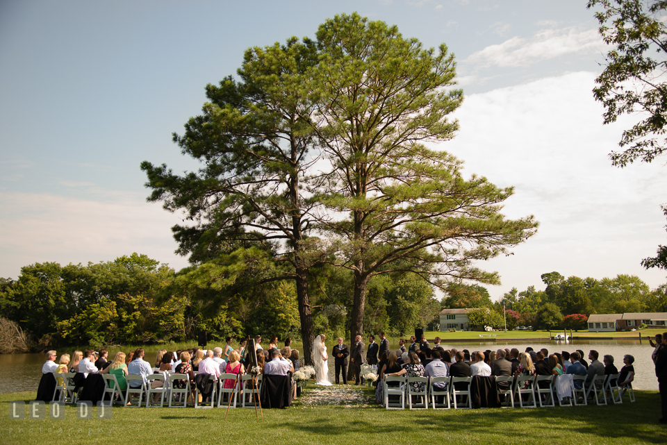 The Oaks Waterfront Inn wide view of waterfront ceremony area photo by Leo Dj Photography