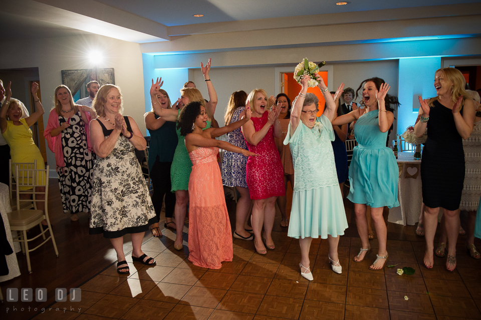 The Oaks Waterfront Inn Grandmother caught flower bouquet tossed photo by Leo Dj Photography