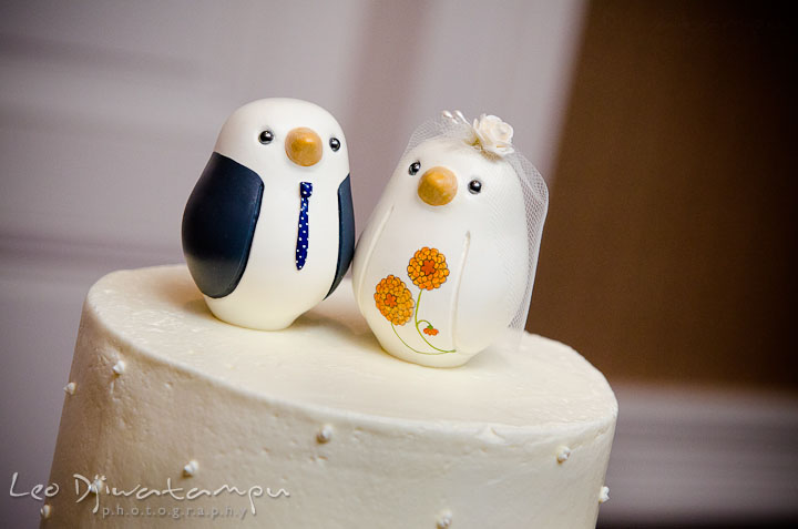 Cute birds wedding cake toppers. The Tidewater Inn Wedding, Easton Maryland, reception photo coverage of Kelsey and Jonnie by wedding photographers of Leo Dj Photography.
