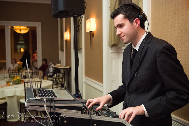 DJ Jeff Furnas from MyDeejay in action. The Tidewater Inn Wedding, Easton Maryland, reception photo coverage of Kelsey and Jonnie by wedding photographers of Leo Dj Photography.