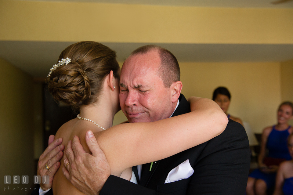 Embassy Suites Baltimore Hunt Valley Father hugged Bride photo