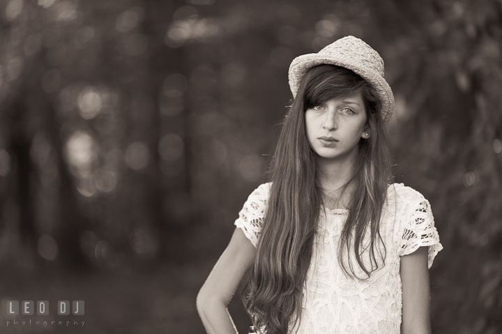 Girl with hat, looking at camera. Eastern Shore, Maryland, High School senior portrait session by photographer Leo Dj Photography. http://leodjphoto.com