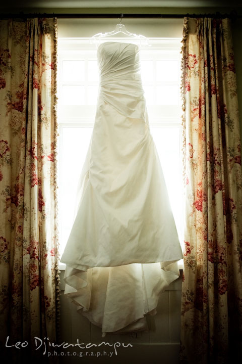 The Brides Beautiful Wedding Dress Gown Annapolis Photographer At St