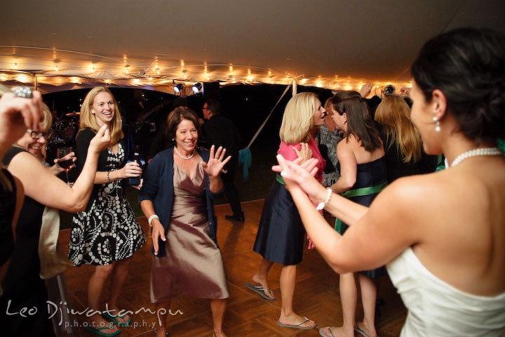 Bride dancing with her mom. Annapolis Kent Island Maryland Wedding Photography with live dance band at reception
