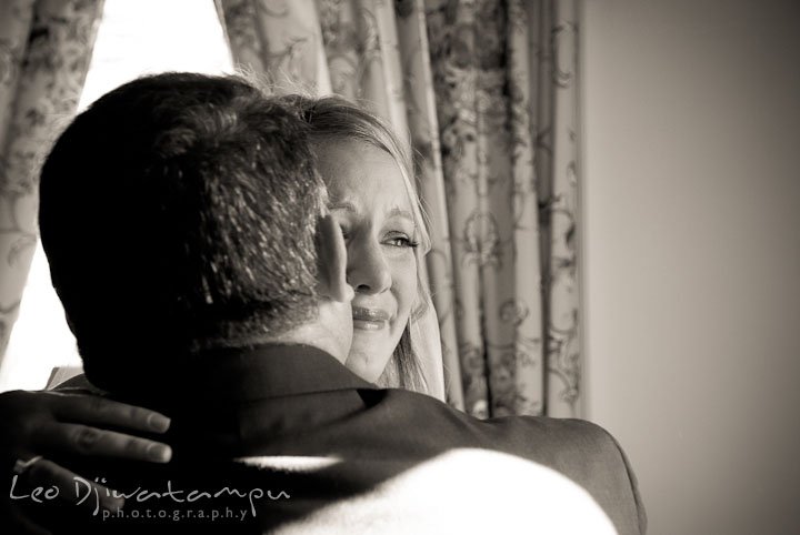 Bride hugs Dad one last time before walking down the isle. Mariott Aspen Wye River Conference Center Wedding photos at Queenstown Eastern Shore Maryland, by photographers of Leo Dj Photography.