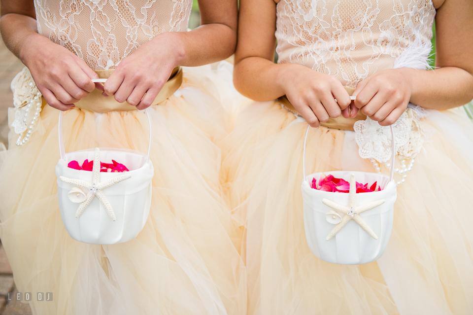 Silver Swan Bayside flower girls holding flower petals baskets photo by Leo Dj Photography