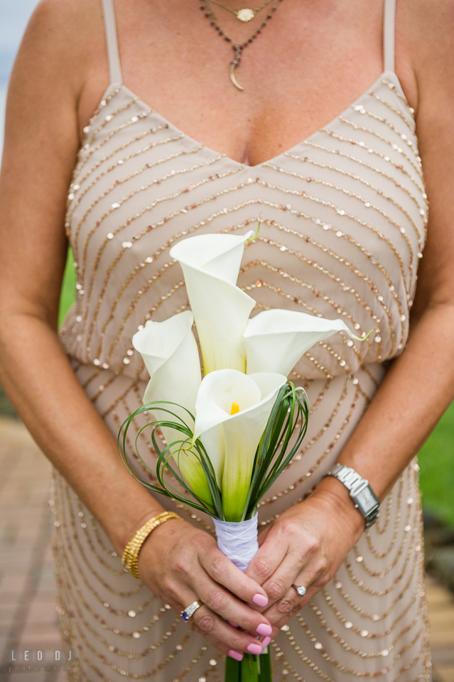 Silver Swan Bayside Bride lily flower bouquet from Lowe's Bayshore Garden and Gifts photo by Leo Dj Photography