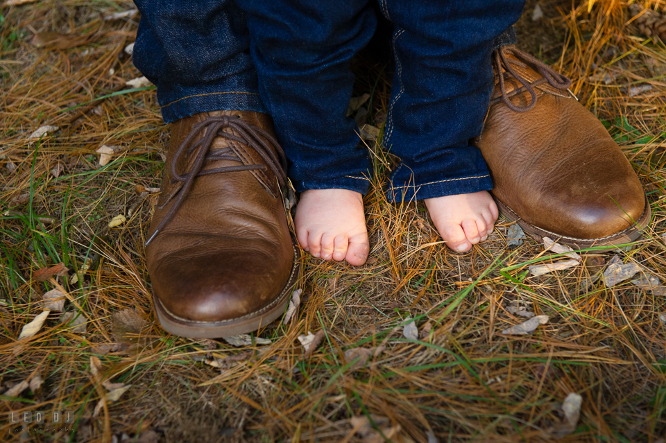 Quiet Waters Park Annapolis Maryland little child feet compared to dad's photo by Leo Dj Photography.