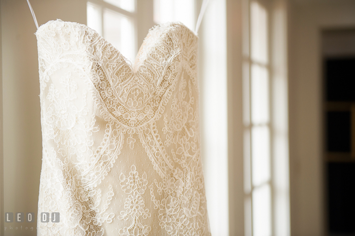 Details of lace on wedding dress with art deco Gatsby style. Aspen Wye River Conference Centers wedding at Queenstown Maryland, by wedding photographers of Leo Dj Photography. http://leodjphoto.com