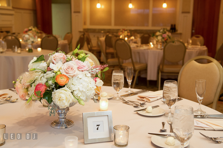 Aspen wye river conference centers wedding tara rob aspen wye river conference centers wedding at queenstown floral table centerpiece with pastel roses by mobtown florals dining room view aspen wye junglespirit Images
